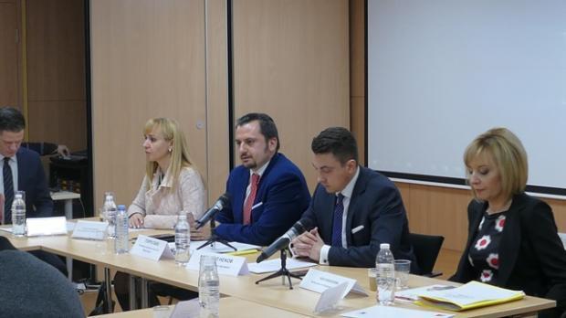 Евродепутат внася становище за двойния стандарт при храните