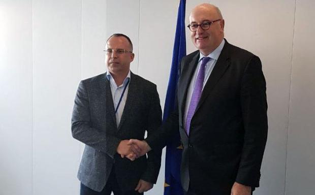 """Еврокомисарят Фил Хоган подкрепи работния план на българското председателство в сектор """"Земеделие"""""""