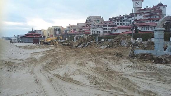 """Премахнати са 1 438 квадрата бетон от плаж """"Слънчев бряг-север"""""""