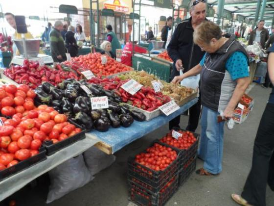 Над 70 на сто от плодовете и 40 на сто от зеленчуците във Франция съдържат остатъци от пестициди