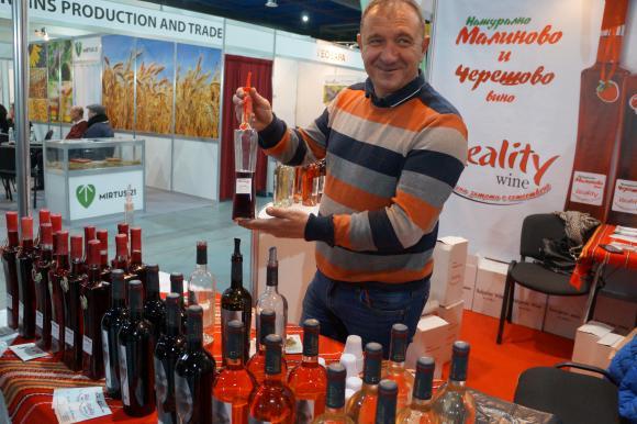 Биовиното на Емил Димитров от Варна превзе фермерските пазари
