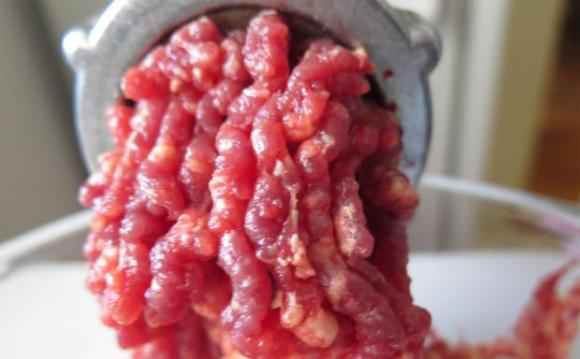 Скандал с развалено месо избухна в Белгия