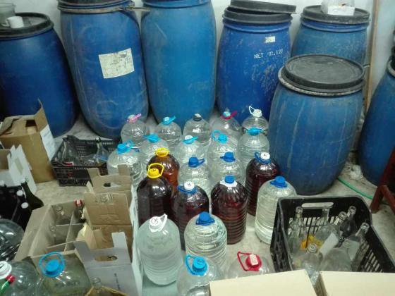 Иззеха над 800 литра алкохол без бандерол