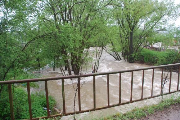 Над 20,7 млн. лв. се отпускат за възстановяване на мостове, за диги и почистване на речни корита