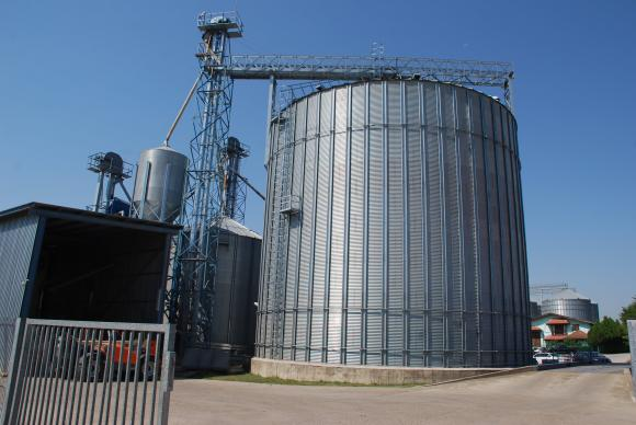Порожанов: Амбициите са с новия фуражен завод край Шумен годишно да се преработват по 500 хиляди тона зърно