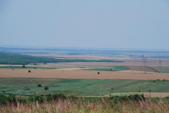 Доц. Огнян Боюклиев: Кабинетът чел ли е докладите на ЕС за България, за да предлага нови насърчения за продажба на земя на чужди инвеститори?