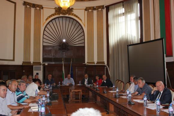 Отчет пред Порожанов за предпазните мерки срещу птичия грип в Добричко и чумата по свинете в Румъния