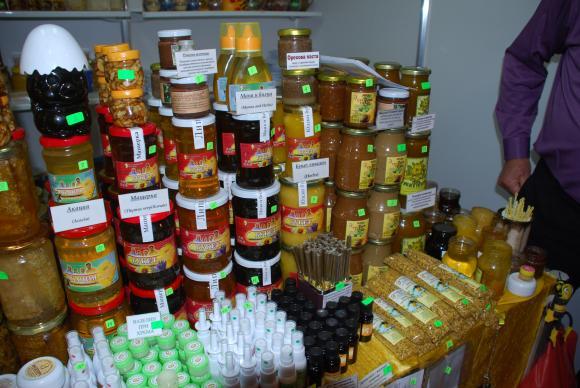 Рекорден износ на мед от Украйна