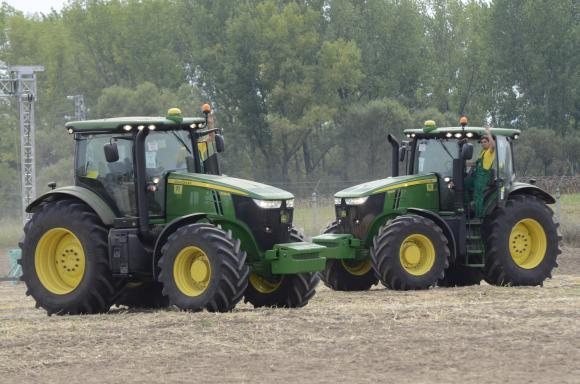 Два трактора се сблъскаха в село Брест