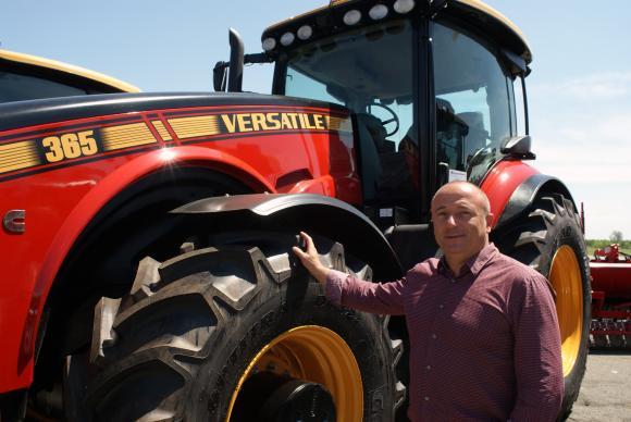 Тракторите VERSATILE предлагат комфорт и мощност