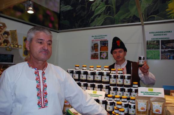 Традиционният фестивал на мановия мед се открива на първи август в Царево