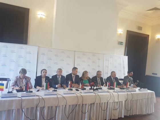 България заедно със 7 държави от Източна Европа излизат с обща позиция по двойния стандарт