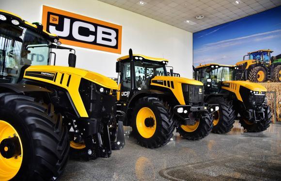 JCB отбелязва приноса на FASTRAC 3000 за по-производително селско стопанство