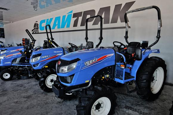 Тракторът ISEKI TLE 4490 печели всеки фермер с качество и цена