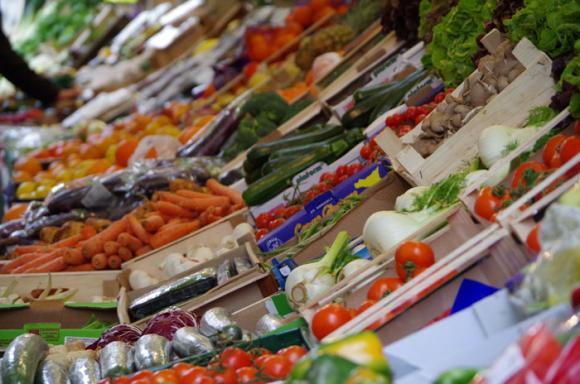 Внос и износ на плодове и зеленчуци в и от страната
