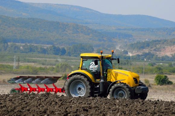 Банди крадци на селскостопанска техника атакуват Великобритания