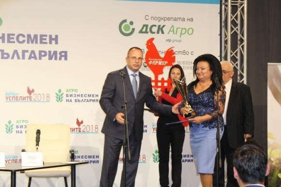 Посланието на Светла Стоянова към агробизнеса: Сейте с любов и пазете земята, която ни храни
