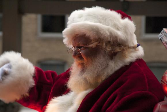 Дядо Коледа се консултира с министерството на земеделието на САЩ за безопасността на  подаръците