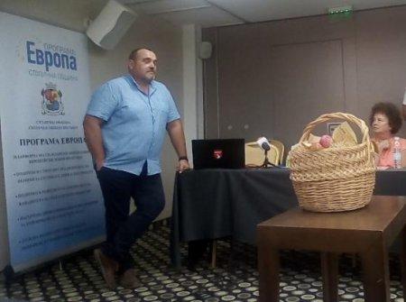 Ст. Апостолов: Само с демонстративни проекти за фермерските пазари не може