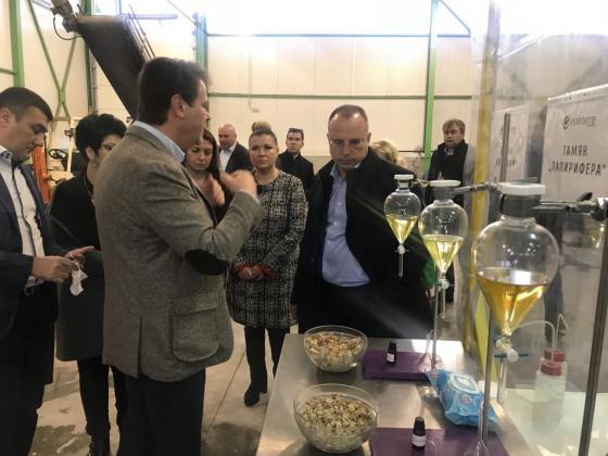 Американци градят втора дестилерия за етерични масла край Добрич