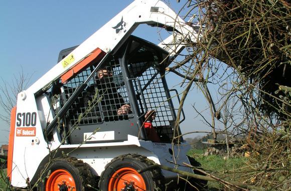 Bobcat S100 набира все по-голяма популярност сред фермерите