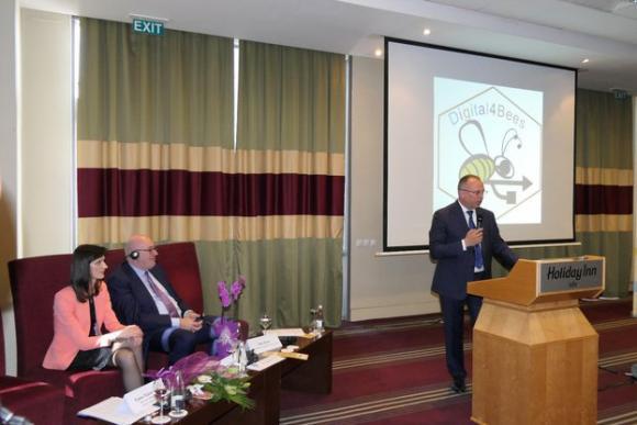 Фил Хоган: Бюджетът за пчеларските програми да се завиши от 36 на 62 млн. евро
