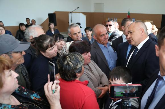 Никак не първоаприлски Борисов обеща 2 милиона лева на тютюнопроизводителите