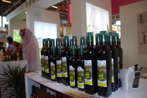 Фалшификатите при зехтина и маслиновите масла намаляват
