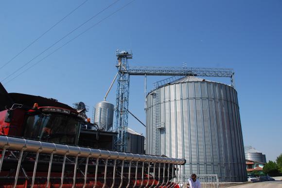 Държавата вече ще следи и зърнобазите над 50 тона, вместо тези над 200 тона