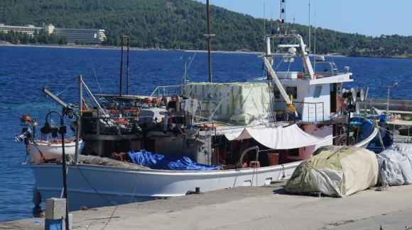 Регламентира се работното време в риболовните кораби с дължина над 24 метра