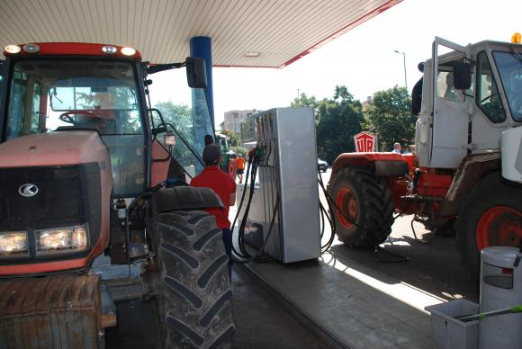Парите за акциза върху горивата се пускат от днес