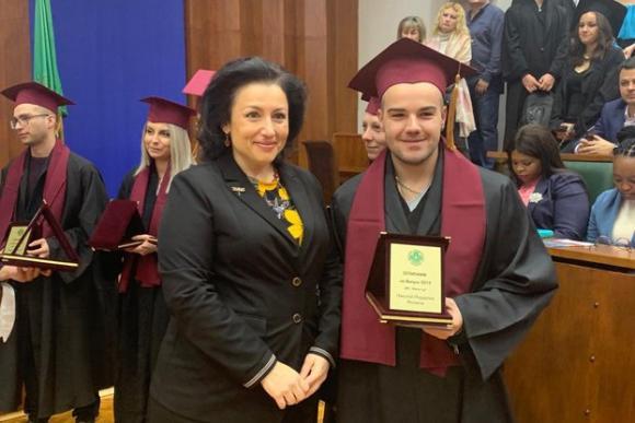 Танева пред дипломираните агрономи: Останете в България!