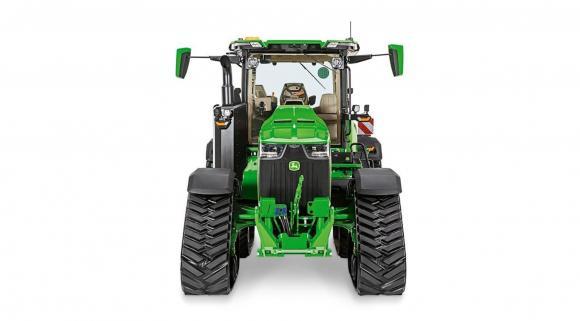 John Deere получи престижна награда за иновация за новия си трактор 8RX