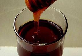 Разреждането на меда сви рязко световното търсене и цената му