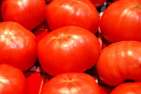 Витаминозната гама на розовите домати