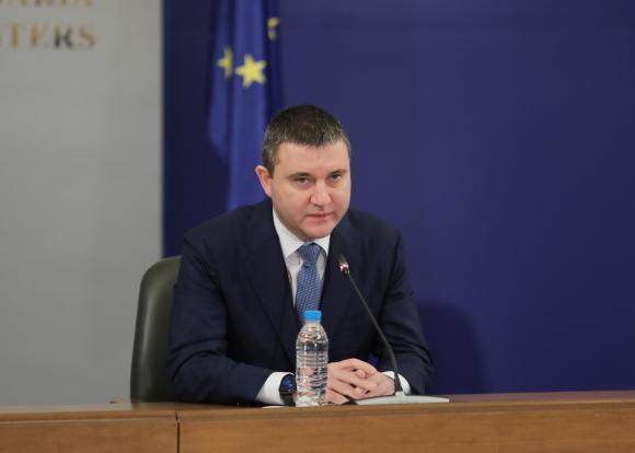Кабинетът заложи 3,5 млрд. лв. дефицит в актуализирания бюджет