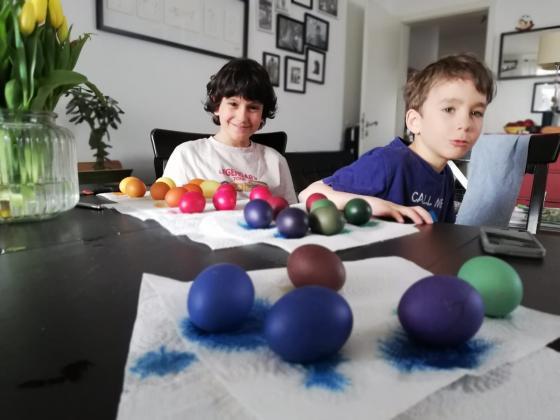 Как да боядисаме здрави и красиви яйца