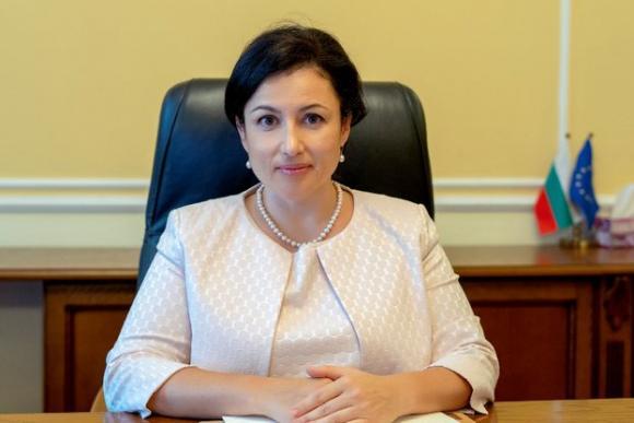 Министърът на земеделието опровергава твърдения за поскъпване на хляба