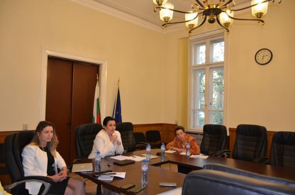 Танева: И България е за над 1% увеличение на бюджета по хоризонталната мярка COVID-19
