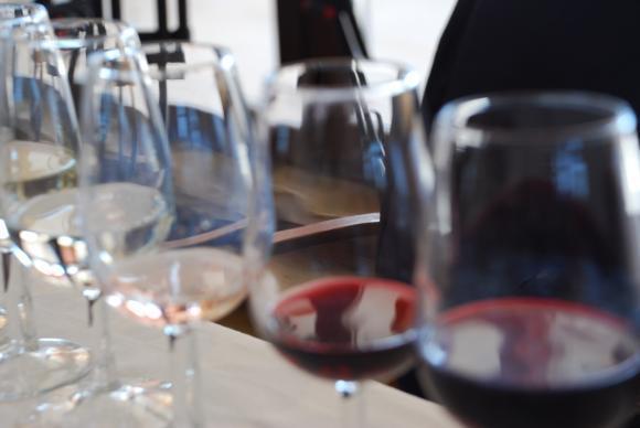 Продажбите на вино в света намаляха с над 4 на сто през миналата година