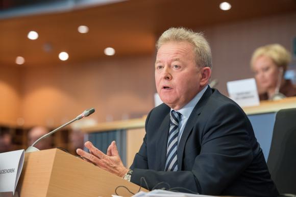 Еврокомисарите Войчеховски и Синкевичиус ще отговарят на въпроси за новата ОСП на 2 юни
