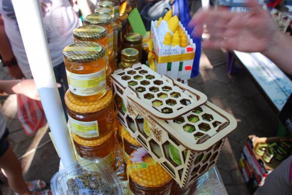 Борса за мед свърза пчеларите в Украйна с продавачите в Европа