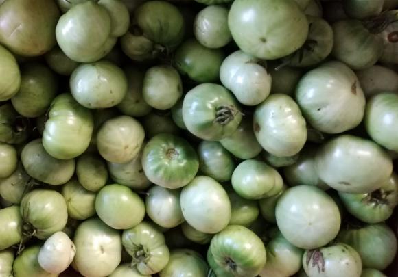 Пикантни зелени доматчета