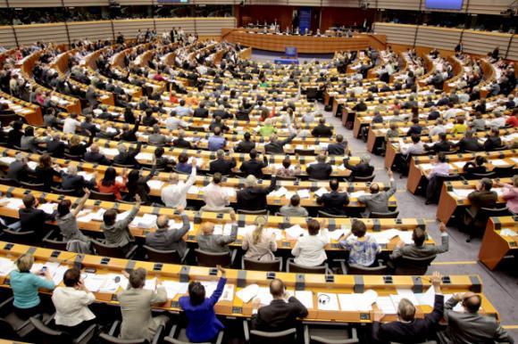 Какви промени предложиха евродепутатите по бюджета на ЕС за 2021 г.
