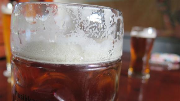 Близо 50 милиона литра британска бира са отишли право в канализацията