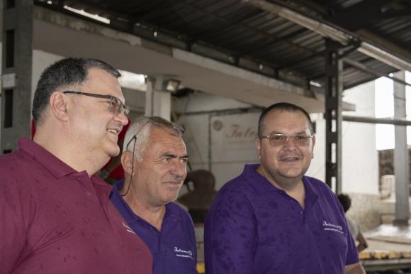 Турция, Азербайджан и Афганистан откъснаха пазарен дял от българското розово масло