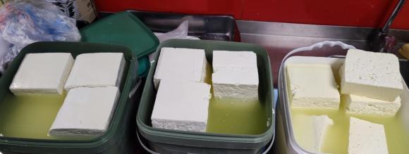Подновяват седмичните проверки на млечни продукти в търговската мрежа