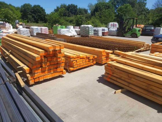 Хванаха склад в Бургаско в продажба и съхранение на незаконна дървесина